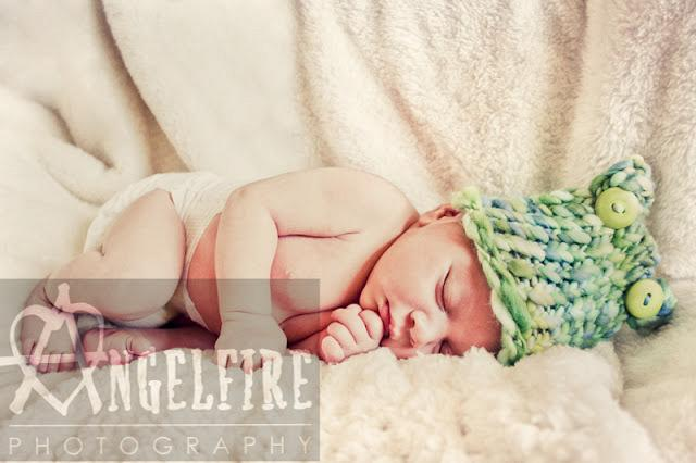 West Midlands Newborn Photographer | Fabulous Faaris and being featured!